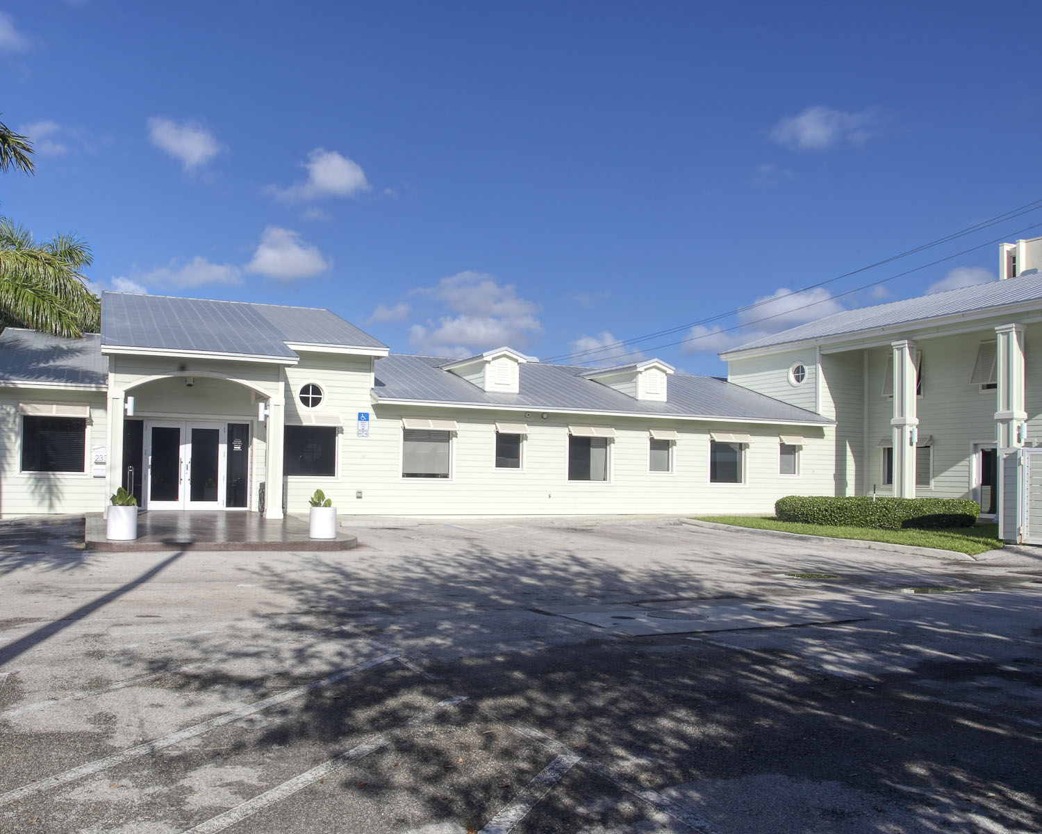Fort Lauderdale detox center image 3 private comfortable accommodations with controlled sunshine and fresh air